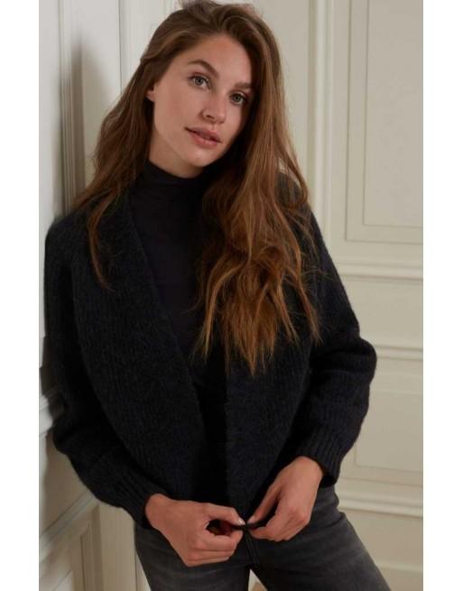 High neck sweater met knopen