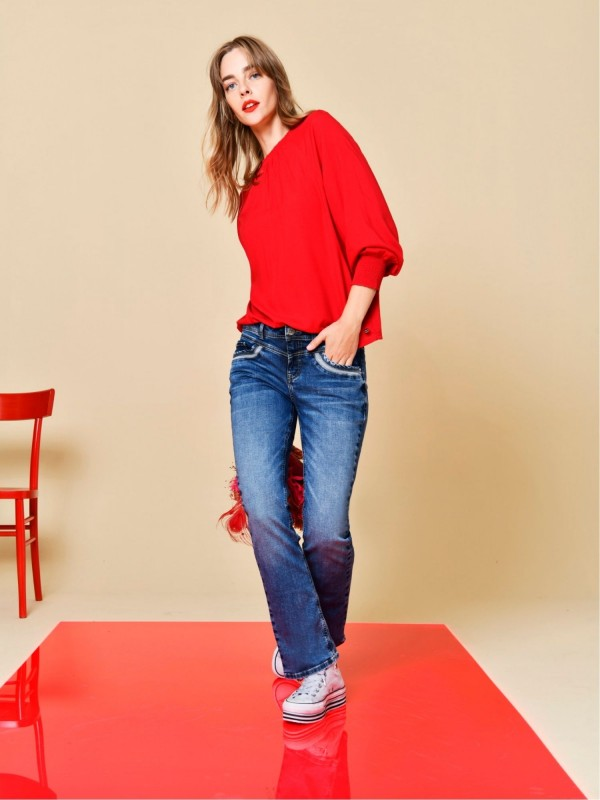 Casual fit jeans