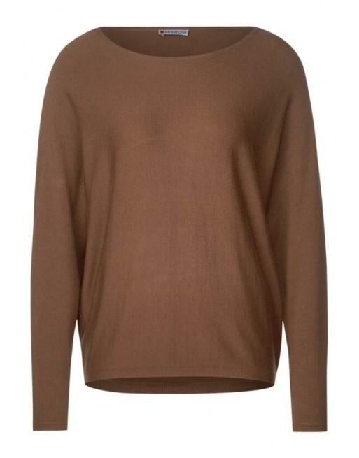 dolman cb detail, fine knit