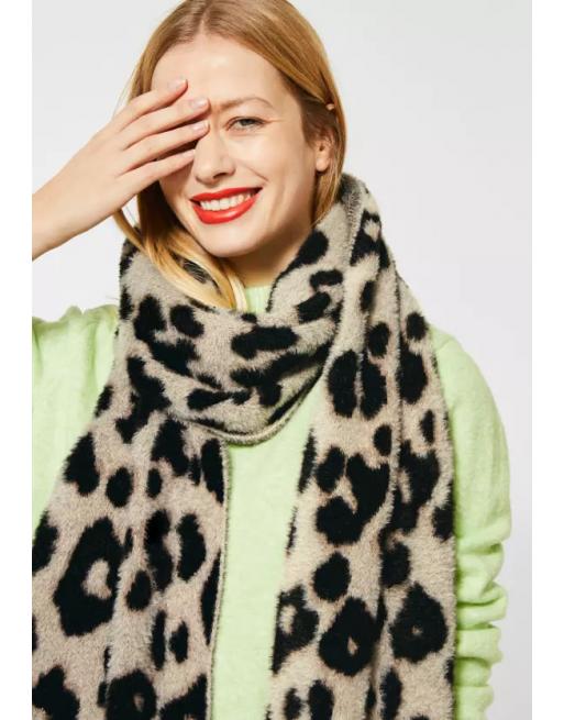 Pluizige sjaal met leo