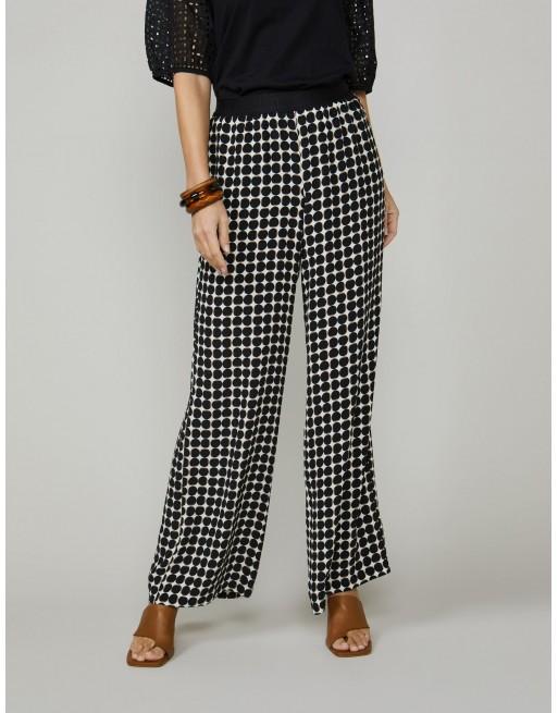 Trousers dot print
